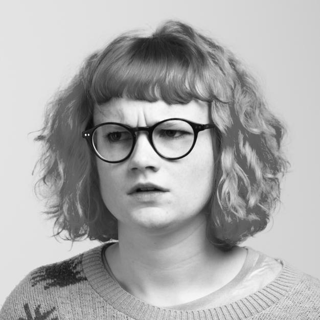 Zoe Tomalin Headshot